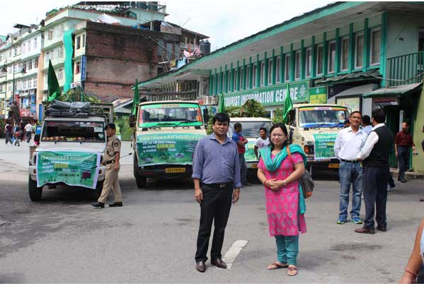 Local participants at Paryavaran Mahotasav 2015 flag off programme at M G Marg Gangtok on June 15
