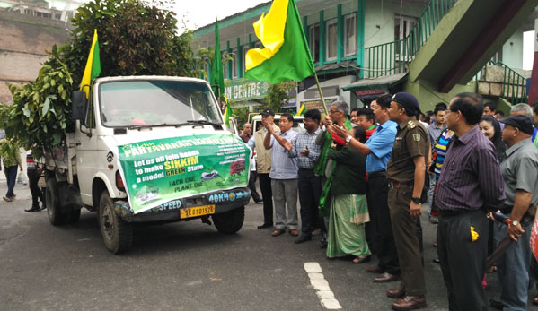 PM-2016-flag off